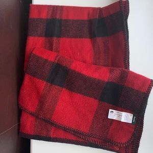 massive roots plaid scarf blanket